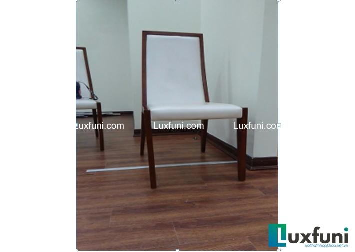 Ghế ăn Hb-1423 thuộc dòng sản phẩm đáng được chú ý nhất trong chương trình sale lần này của LuxFuni