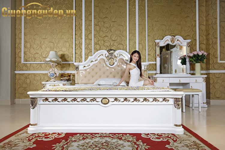 Giường ngủ cổ điển 3028 thanh lý-1