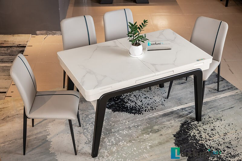 Mặt bàn chất liệu kính cường nhám vân đá chống xước tốt hơn so với kính cường lực thông thường.