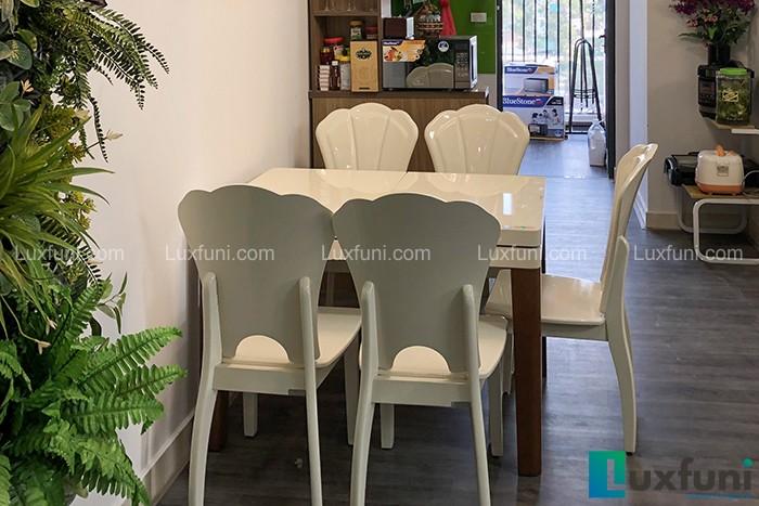 Bàn ăn bếp từ T1362-Chị Nga-Chung cư Smile Building, Số 1 Nguyễn Cảnh Dị-1