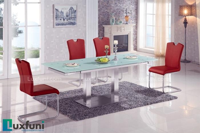 Bộ bàn ghế inox mặt kiếng giá bao nhiêu trên thị trường hiện nay-1