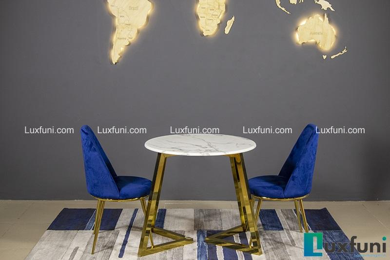 3 Mẫu bàn ăn mặt đá 4 ghế đẹp có giá dưới 10 triệu đồng-1