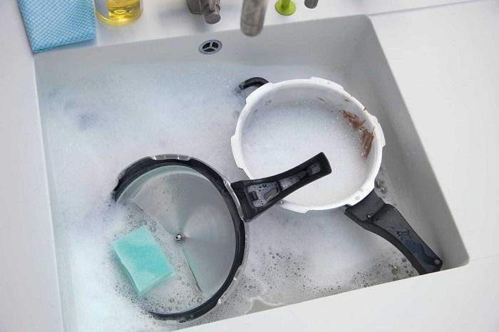5 Cách làm sạch xoong nồi bị ố vàng cực đơn giản và hiệu quả-4