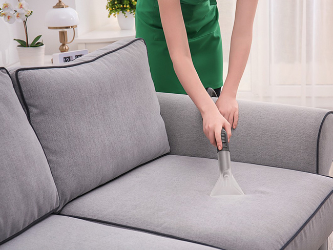 Chia sẻ mẹo vệ sinh ghế sofa giường bền đẹp-1
