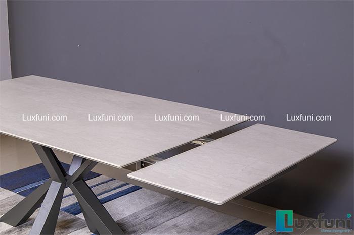 Thiết kế bàn ăn rộng rãi giúp tiết kiệm không gian bếp-4