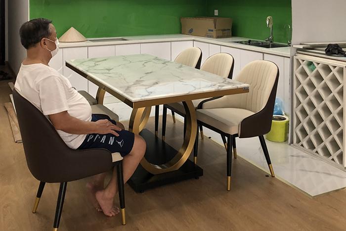 Ghế ăn D103 kết hợp bàn ăn mặt đá 075#-Chú Dũng-Tòa R2B, Royal City