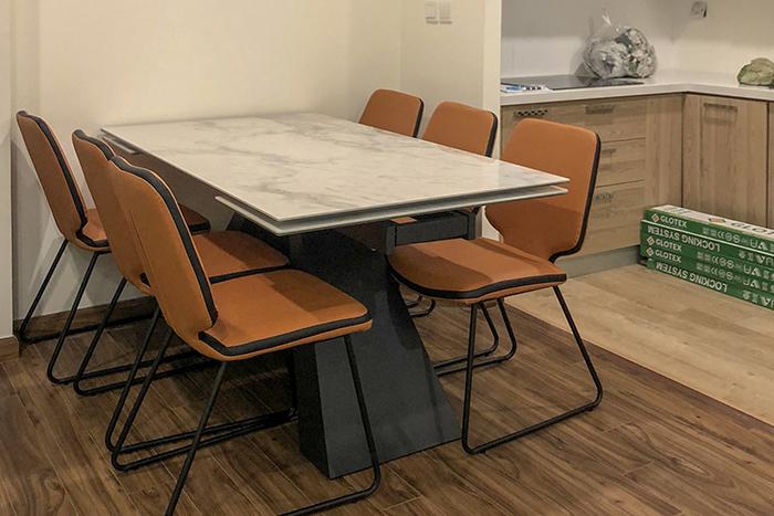 Ghế ăn D111 kết hợp bàn ăn T839 mặt đá-Anh Tuấn-Tòa Golden Palm, Chung cư 21 Lê Văn Lương-1