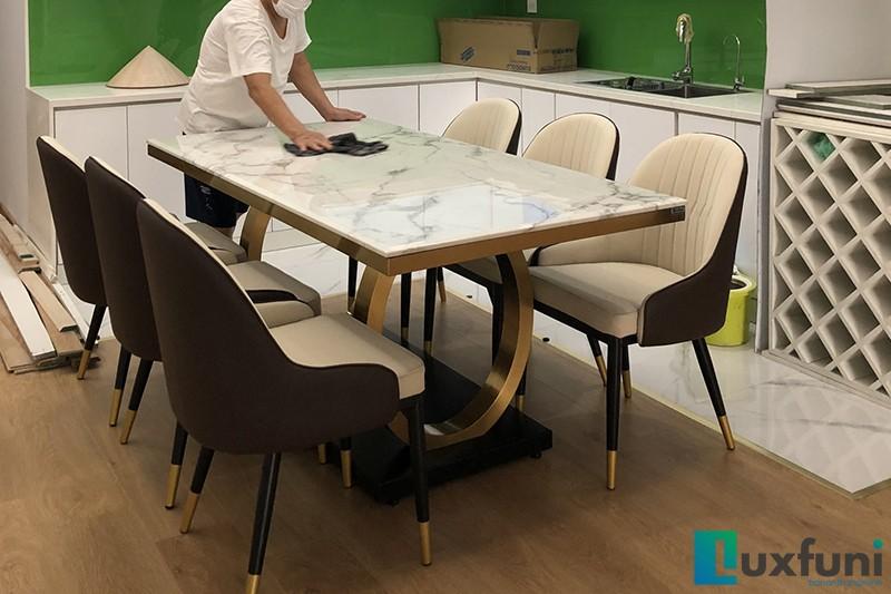 Hình ảnh thực tế bàn ăn mặt đá 075#-2