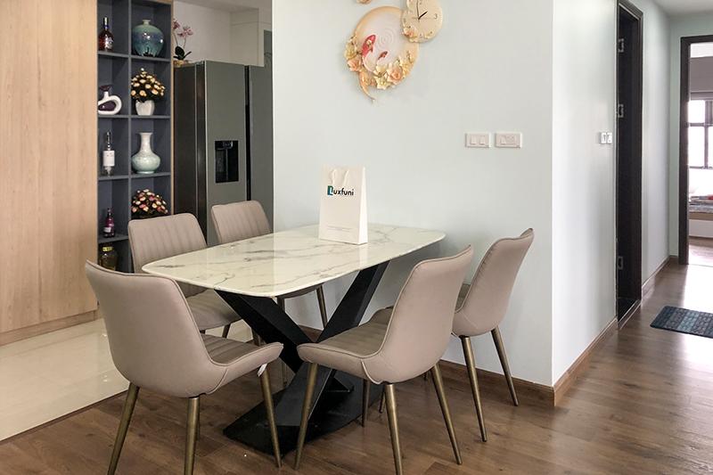 Hình ảnh thực tế bàn ăn mặt đá trắng hoa cương UK T261-11