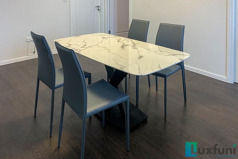 Hình ảnh thực tế bàn ăn mặt đá trắng hoa cương UK T261-2