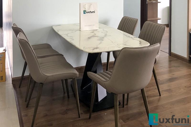 Hình ảnh thực tế bàn ăn mặt đá trắng hoa cương UK T261-6