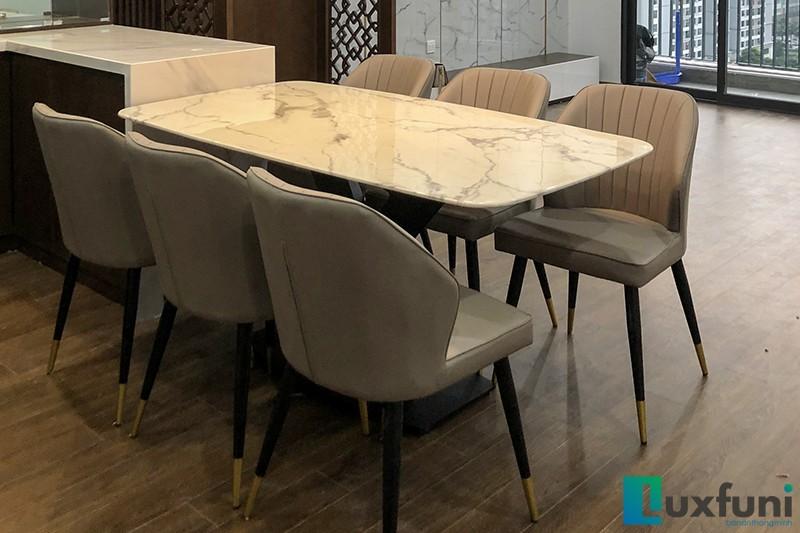 Hình ảnh thực tế bàn ăn mặt đá trắng hoa cương UK T261-8