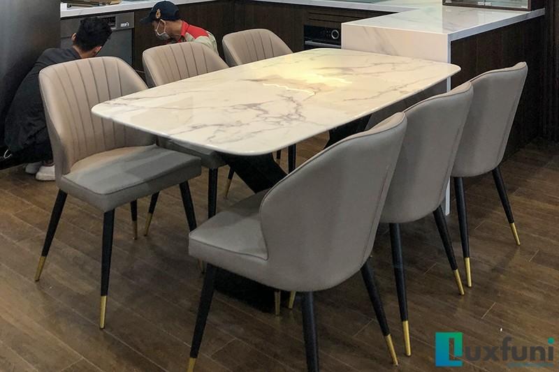 Hình ảnh thực tế bàn ăn mặt đá trắng hoa cương UK T261-9