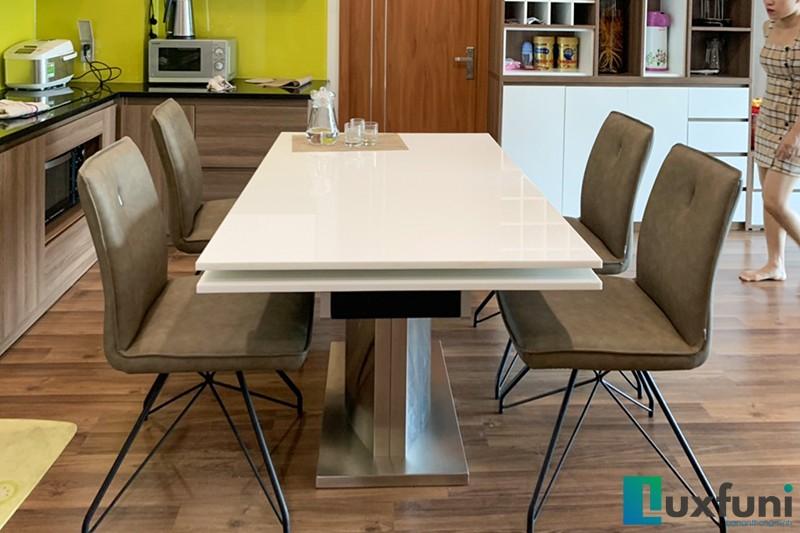 Hình ảnh thực tế bàn ăn thông minh mặt đá 8606