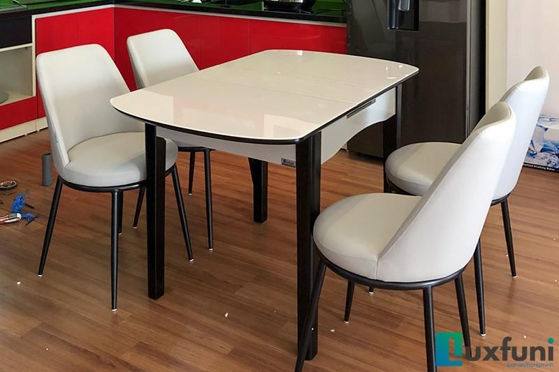 Hình ảnh thực tế bàn ăn thông minh mở rộng B68