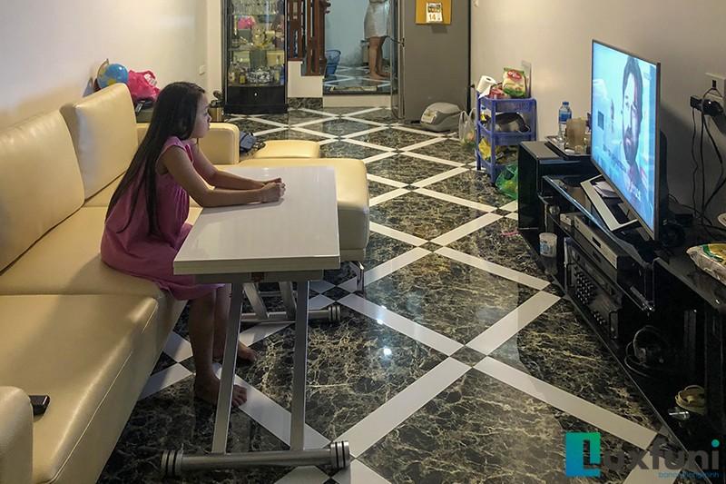 Hình ảnh thực tế bàn ăn thông minh mở rộng-nâng hạ B2166
