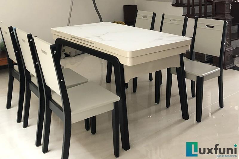 Bộ bàn ăn bếp từ T1958 nhà anh Hiếu.