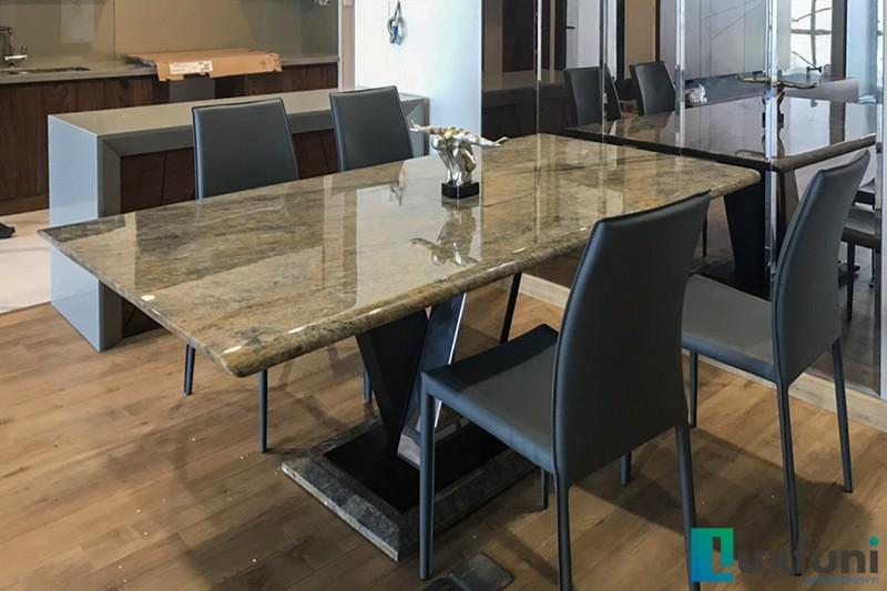 Hình ảnh thực tế bàn ăn Vivi mặt đá TC8189