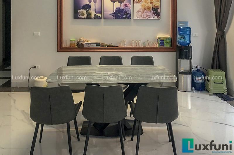 Hình ảnh thực tế bộ bàn ăn mặt đá ghi xám UK T261-1