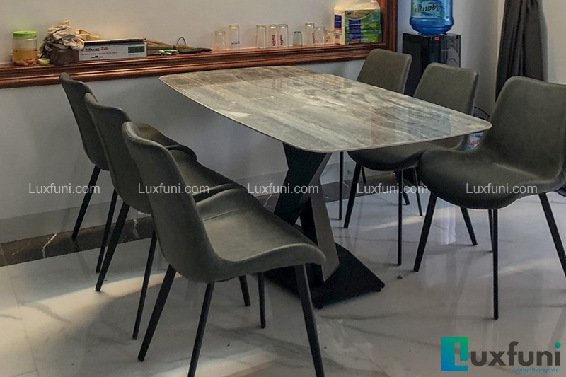 Hình ảnh thực tế bộ bàn ăn mặt đá ghi xám UK T261-2