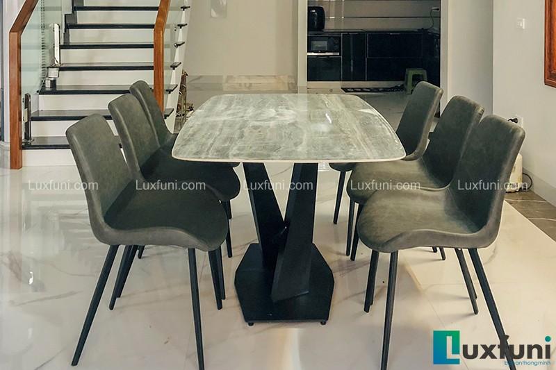 Hình ảnh thực tế bộ bàn ăn mặt đá ghi xám UK T261-3