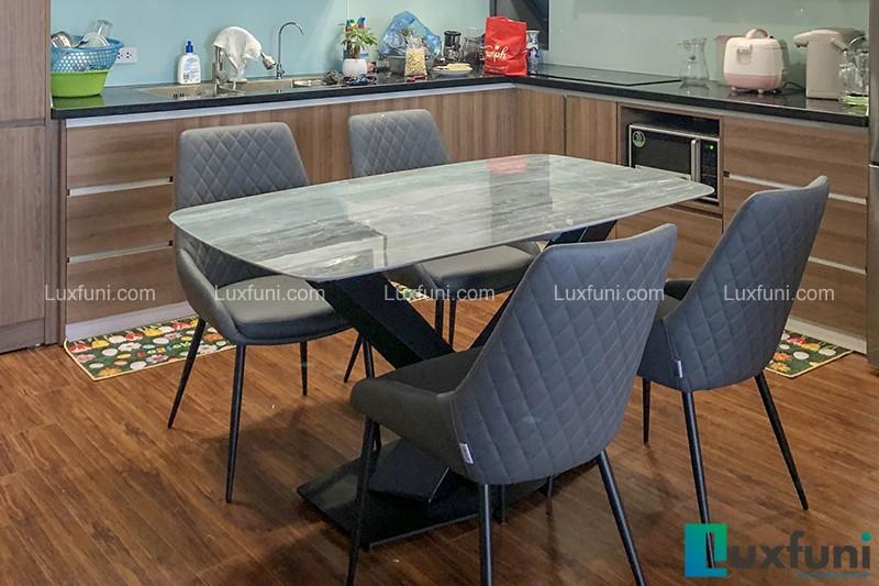 Hình ảnh thực tế bộ bàn ăn mặt đá ghi xám UK T261-4