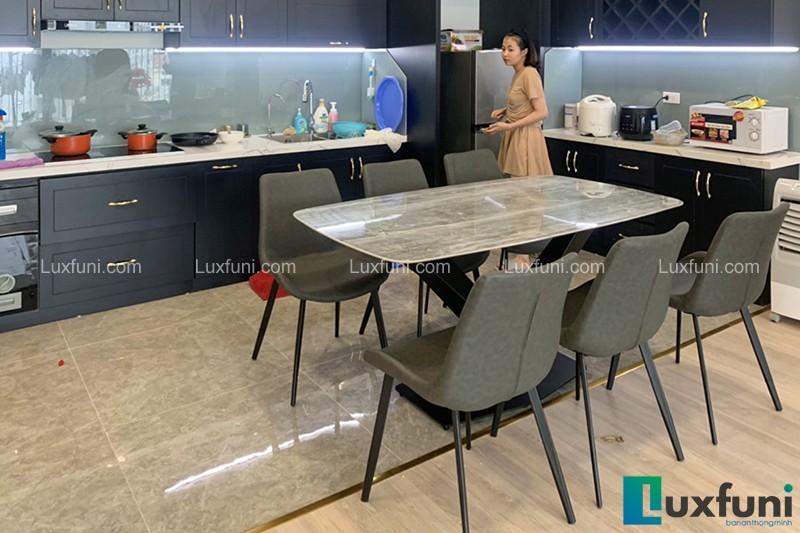 Hình ảnh thực tế bộ bàn ăn mặt đá ghi xám UK T261-7
