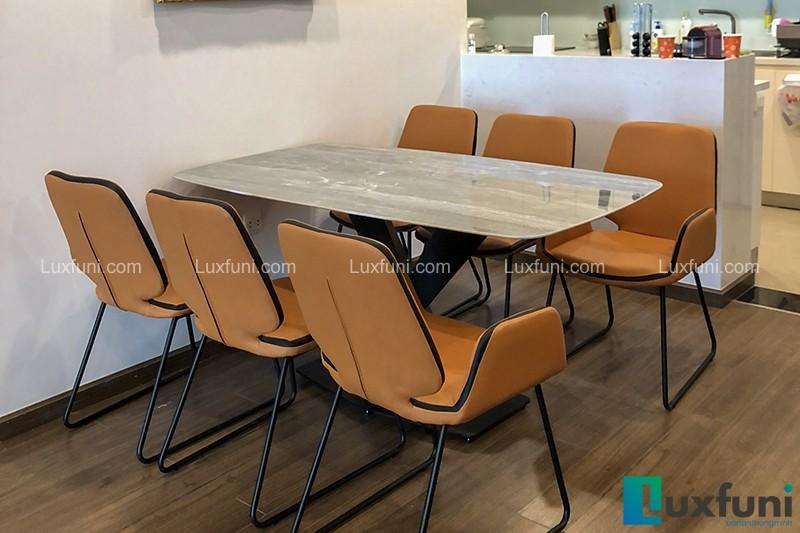Hình ảnh thực tế bộ bàn ăn mặt đá ghi xám UK T261-8