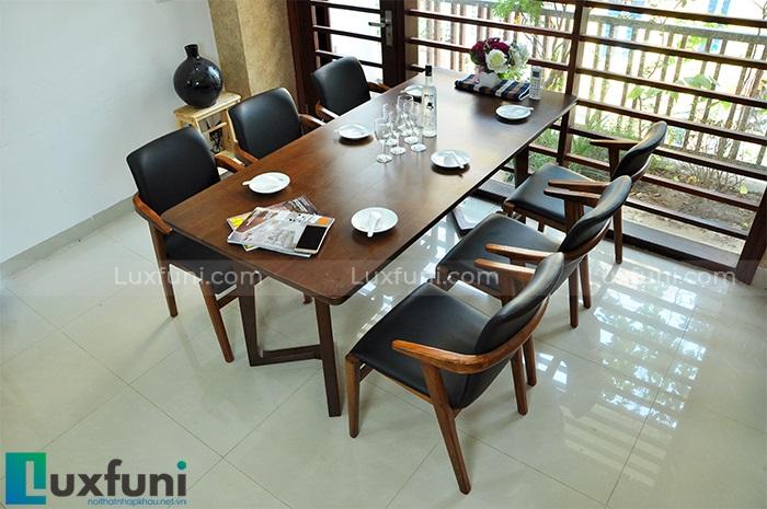 Những mẫu bàn ăn hiện đại mặt gỗ nâng tầm không gian bếp-2