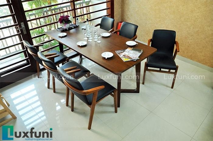 Lý do bạn nên sở hữu một bộ bàn ăn gỗ hiện đại cho không gian bếp-1
