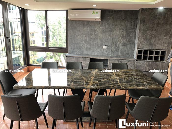 Bàn ăn chung cư 8 ghế thay đổi diện mạo không gian bếp nhà bạn-2