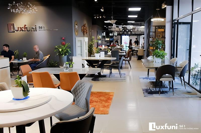 Báo chí nói về bàn ăn thông minh Luxfuni-2