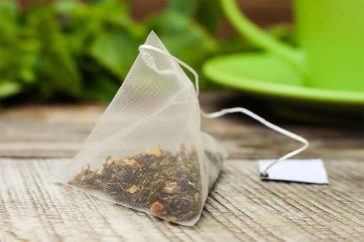 Khử mùi hôi trong tủ giày bằng trà túi lọc