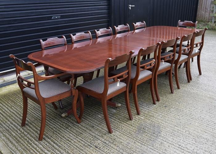 Bộ bàn ăn 12 ghế bằng gỗ ròng cao cấp