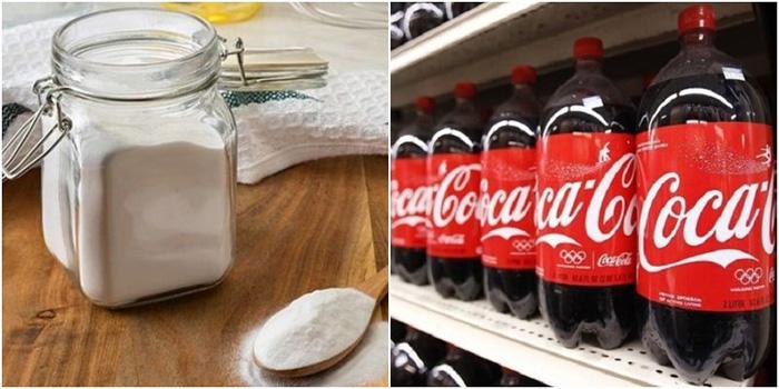 trộn ngay hỗn hợp Coca và Baking soda để vệ sinh vết mỡ bắn trên tường bếp