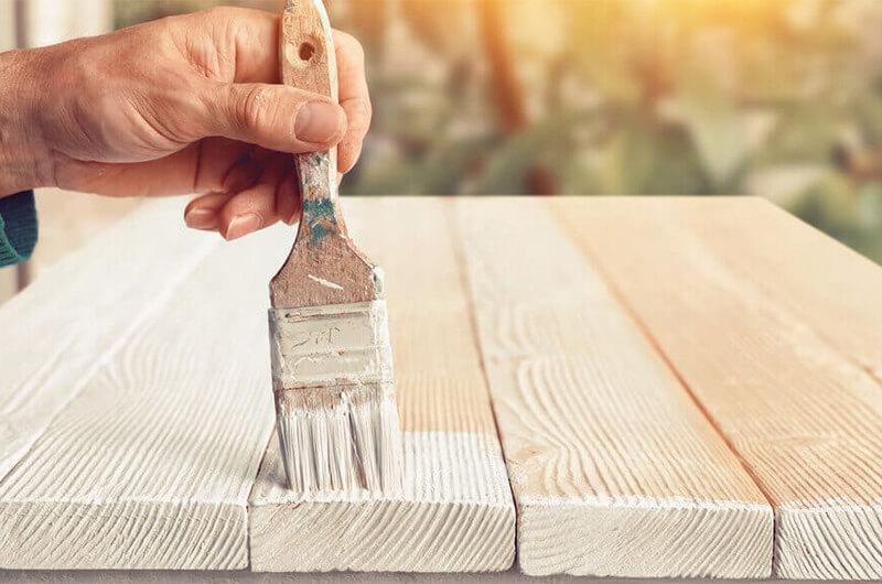 Hướng dẫn cách đánh bóng và sơn lại làm mới nội thất gỗ